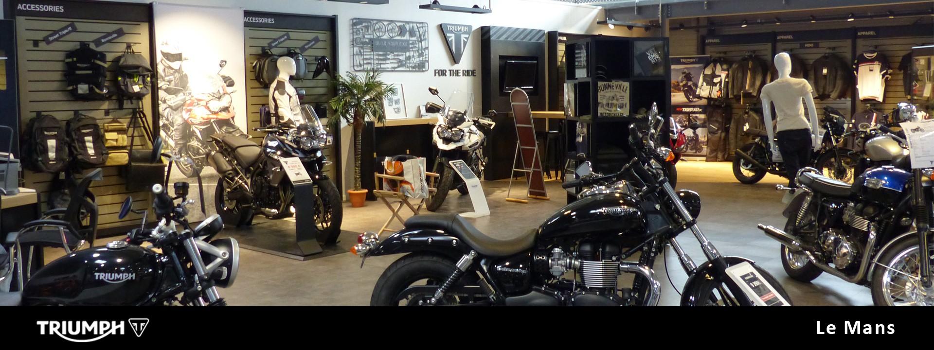 triumph le mans ultimate moto votre concessionnaire triumph aux mans 72. Black Bedroom Furniture Sets. Home Design Ideas
